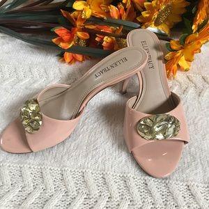 Ellen Tracy Sandals size 6